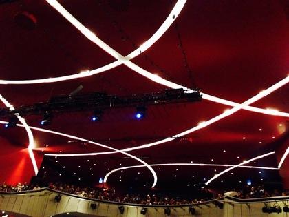 ドイチェス・テアターの天井の照明