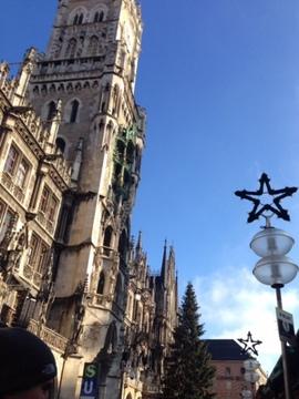 ミュンヘン市庁舎とクリスマスツリー