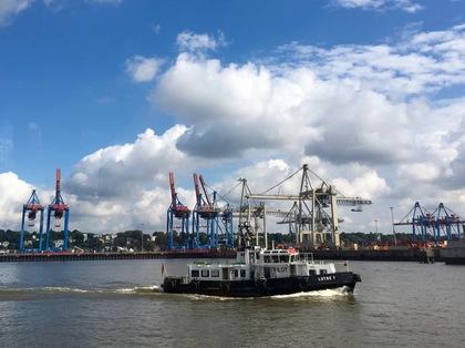 ハンブルクの港の風景 1